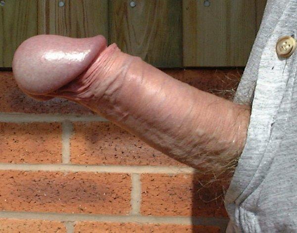 огромные головки у пенисов заметно стали больше