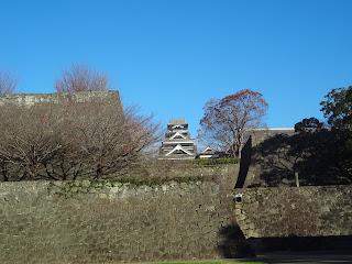 熊本城の石垣と天守閣