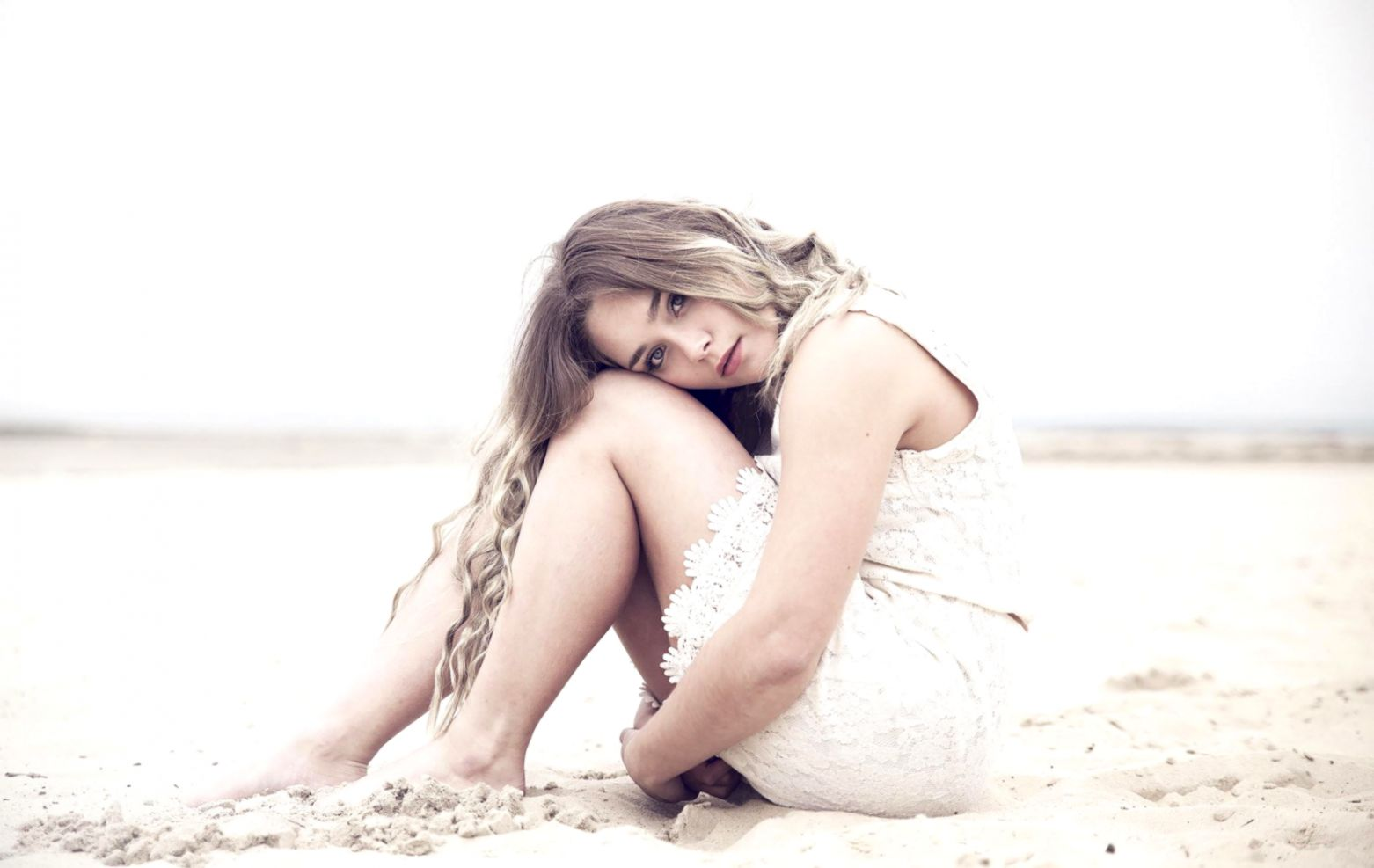 Model White Dress Girl Photo Hd Wallpaper
