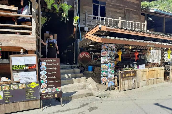 Полиция Таиланда порекомендовала ресторану сменить табличку, запрещающую вход китайцам — Thai Notes