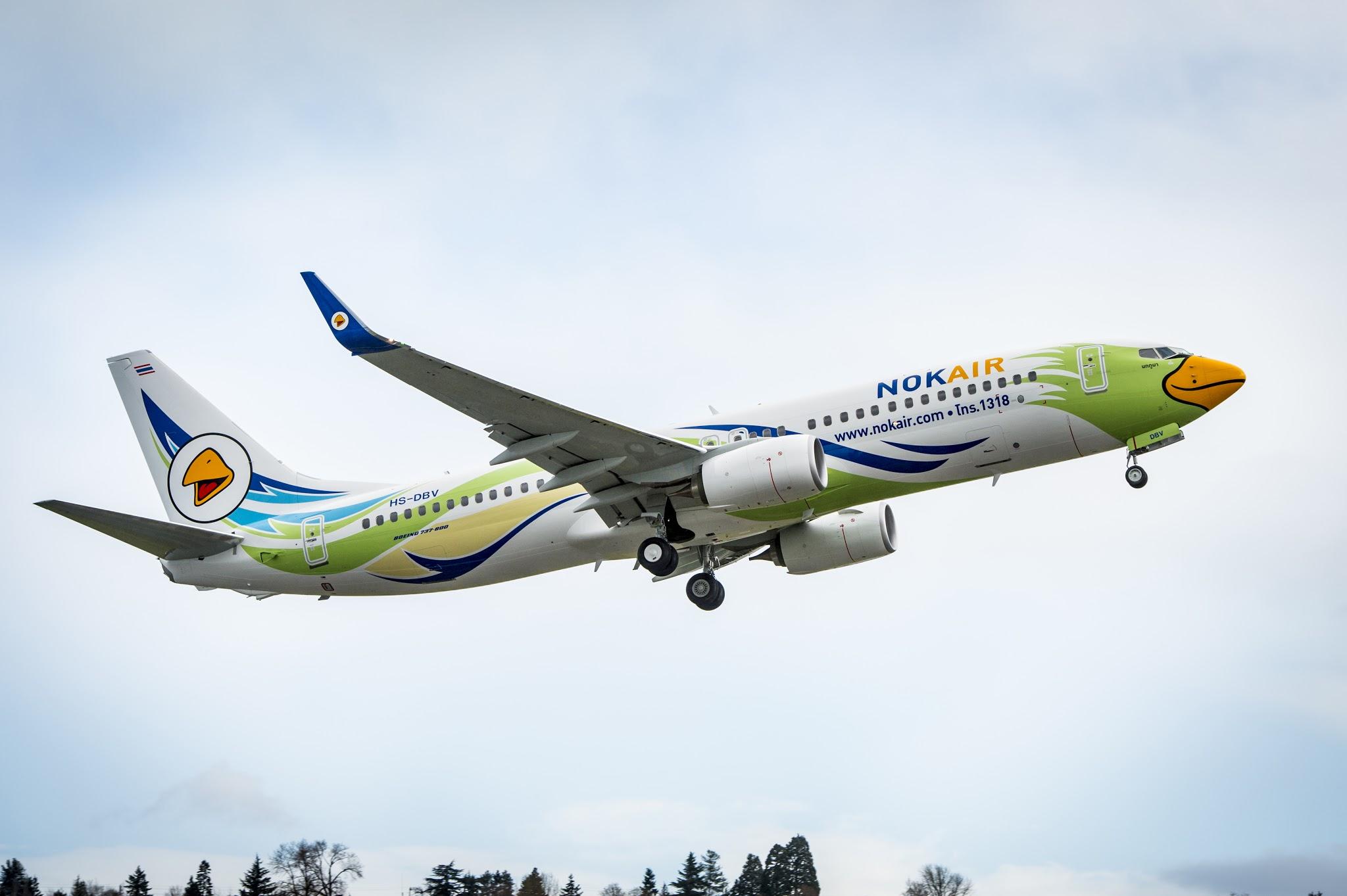 Boeing entrega 737 para Nok Air e fornece treinamento aos seus pilotos.