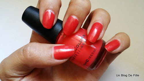 http://unblogdefille.blogspot.fr/2015/08/swatch-sinful-colors-boogie-nights.html