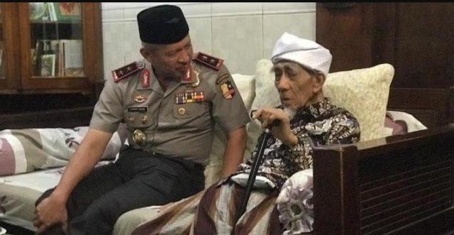 KH Maimun Zubair kepada Irjen Condro Kirono: Ada Kesamaan Ramadhan 1945 dan Tahun Ini bagi Indonesia