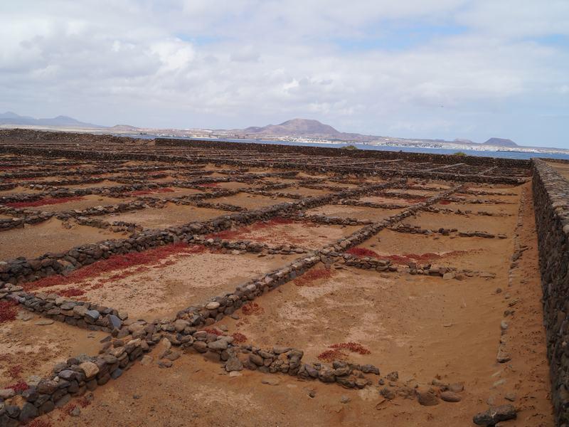 terrazas donde desecaban agua marina para obtener sal