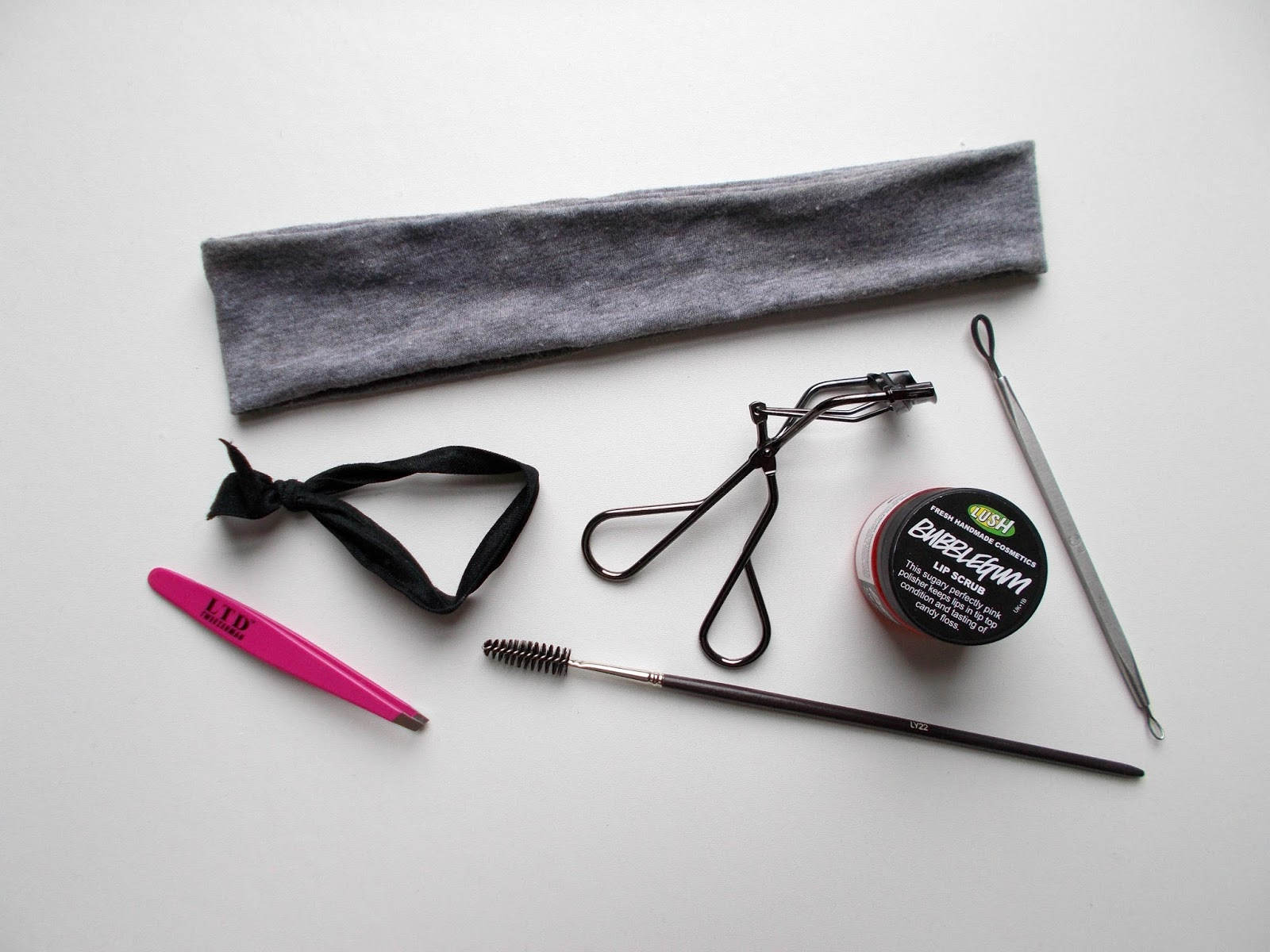 beauty tools i can't live without popbands tweezerman shiseido lush lip scrub blackhead remover