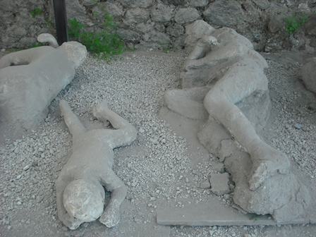 Body casts in the garden of fugitivesPompeii Ruins Bodies