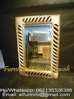 furniture klasik mewah,jual kaca cermin ukir,kaca cermin duco,kaca cermin jati,kaca cermin klasik