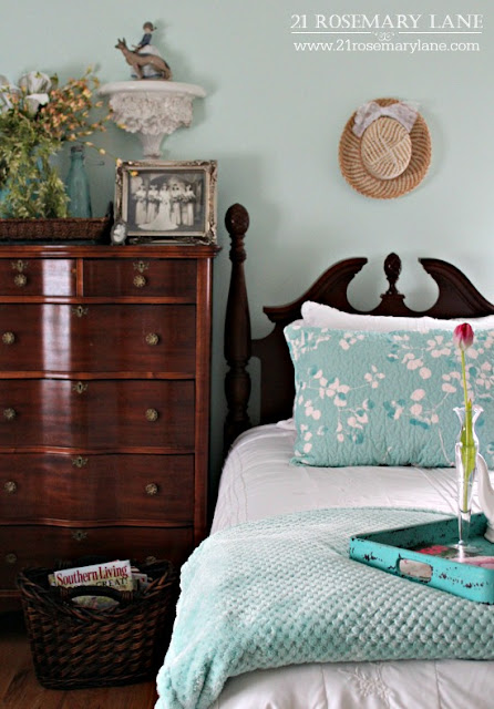 http://www.21rosemarylane.com/2016/02/adding-little-spring-to-guest-bedroom.html