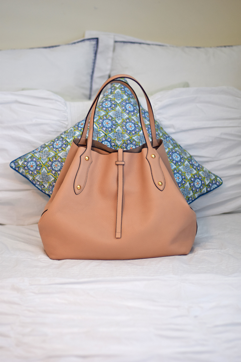 Best all around tote for working women.