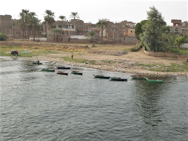 villaggio sul Nilo