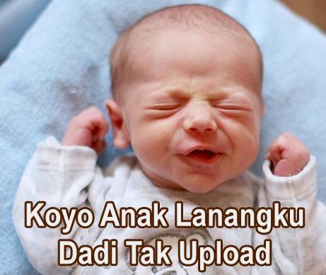 foto bayi ingin tidur lucu