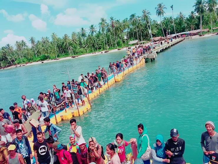 Kepulauan Mentawai dengan Suasana Alam Yang Sejuk, Dan Penuh Kedamaian