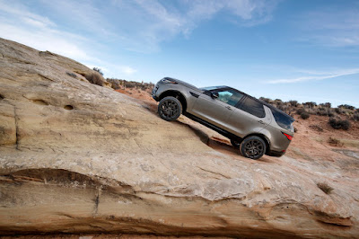 Land Rover Discovery named 2018 FOUR WHEELER SUV
