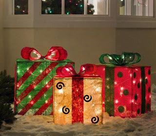 Cajas-regalo-con-luces-para-decorar-en-navidad