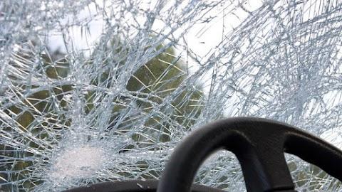 Győrszemere és Tét között összeütközött két autó