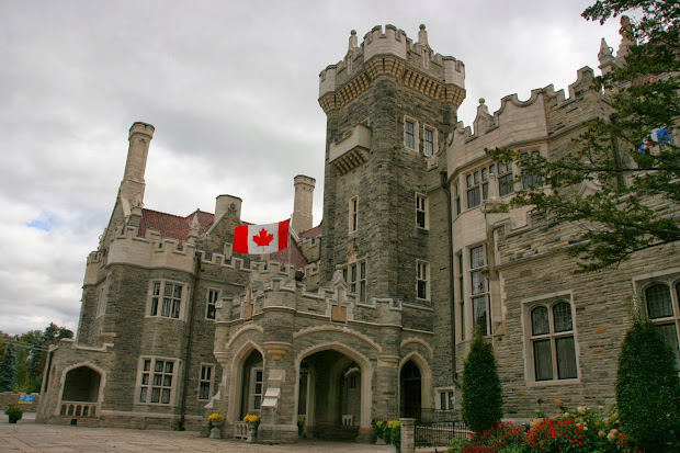 Junk Boat Travels Saturday Snapshot - Casa Loma Part 1
