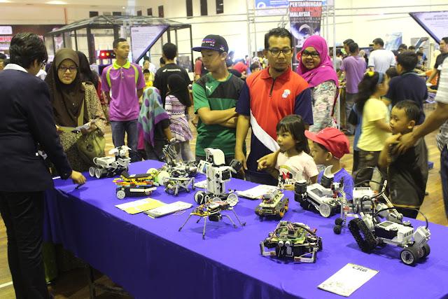 robot-tempur-pekan-rabu-kluang