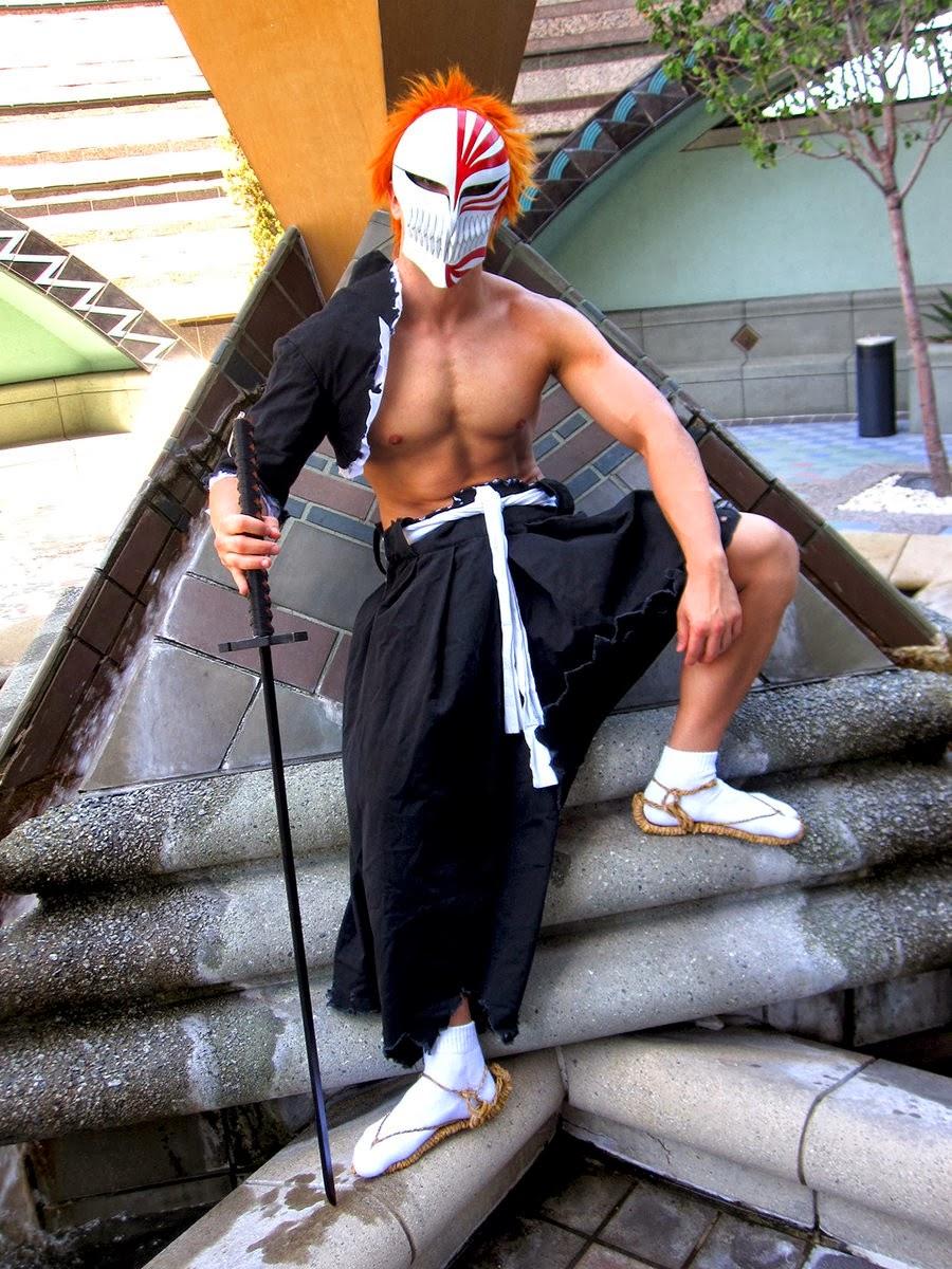 Bleach Cosplay Costumes: Cool Bleach Ichigo Cosplay Guys