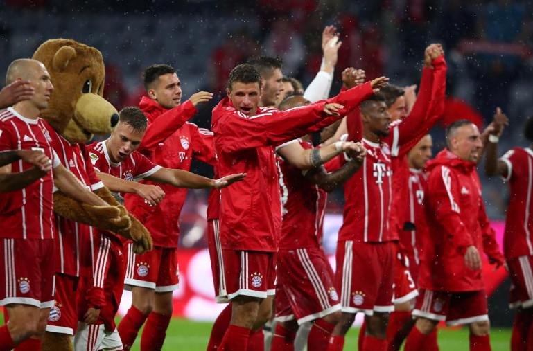 زوله وتوليسو يقودان بايرن للفوز في افتتاح الدوري الالماني