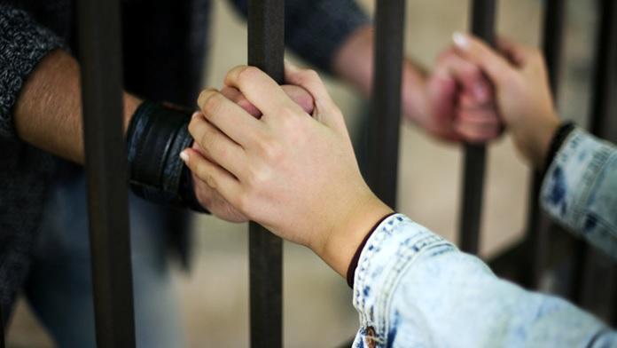 Manderesti tua moglie in prigione?