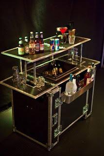Mueble de bebidas hecho con flightcase