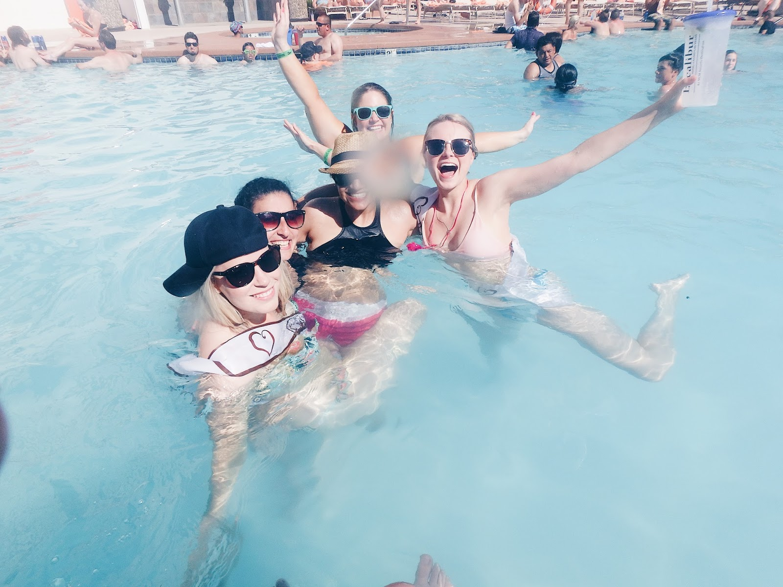 excalibur vegas pool party