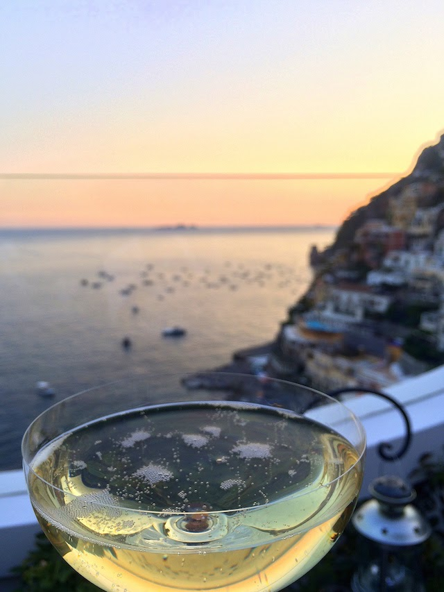 Prosecco at Franco's bar in Positano