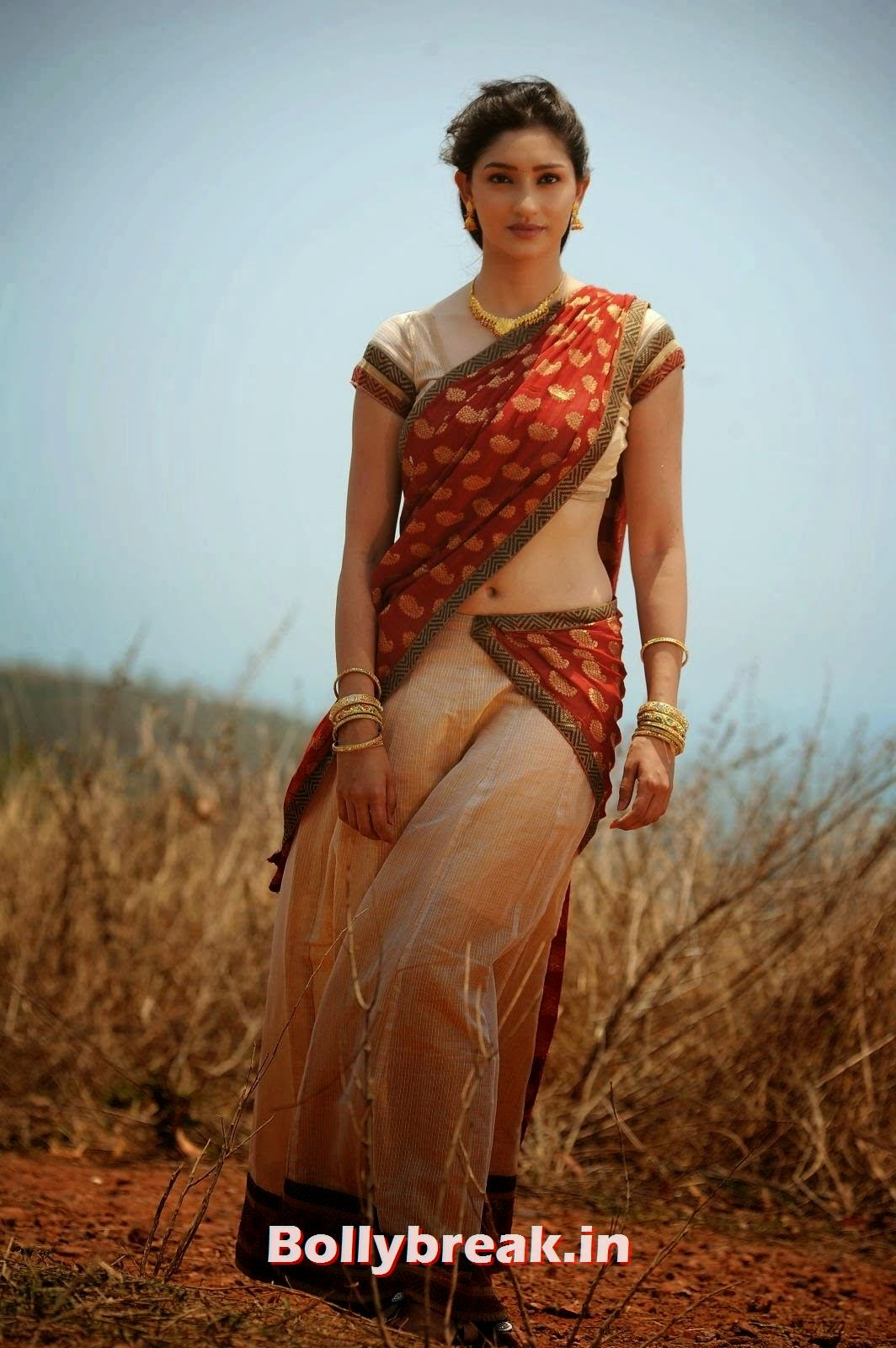 , Tanvi Vyas Pics in Half Saree