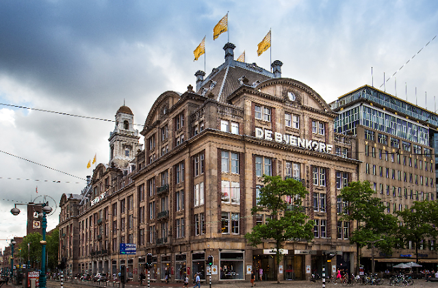 Loja de departamento De Bijenkorf em Amsterdã