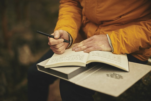 Writing in a Food Journal Can Help Control Cravings