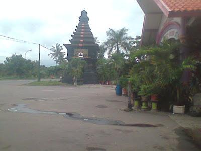 Pesona Tugu Khas Jawa Timur