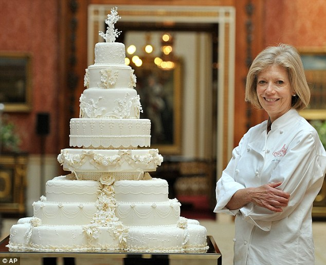 Royal Wedding Cake Decorated With 900 Secret Symbolic Meaning Sugar Paste Flowers