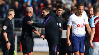 Tottenham điêu đứng vì Mike Dean