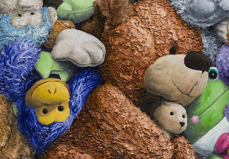 04-Lots-of-Stuffed-Toys-detail-Brent-Estabrook-Realistic-Paintings-of-Stuffed-Animals-www-designstack-co