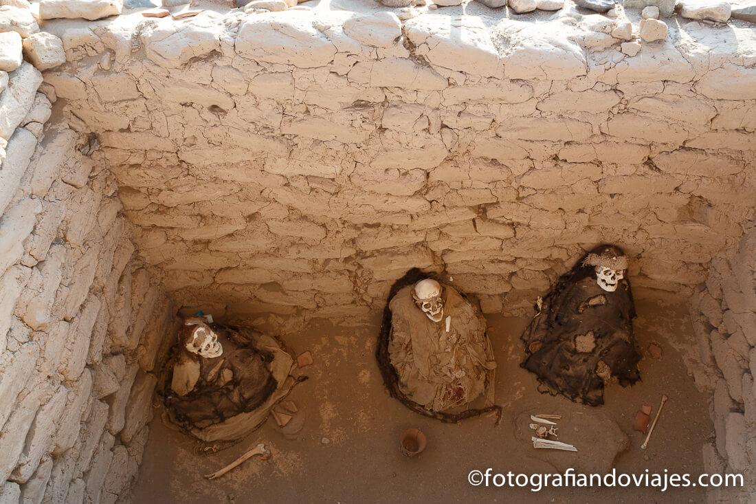 momias en el Cementerio Chauchilla de Nazca