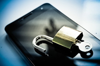 Demi Keamanan, Jangan Pernah Pasang 5 Aplikasi Ini Di Android Kamu