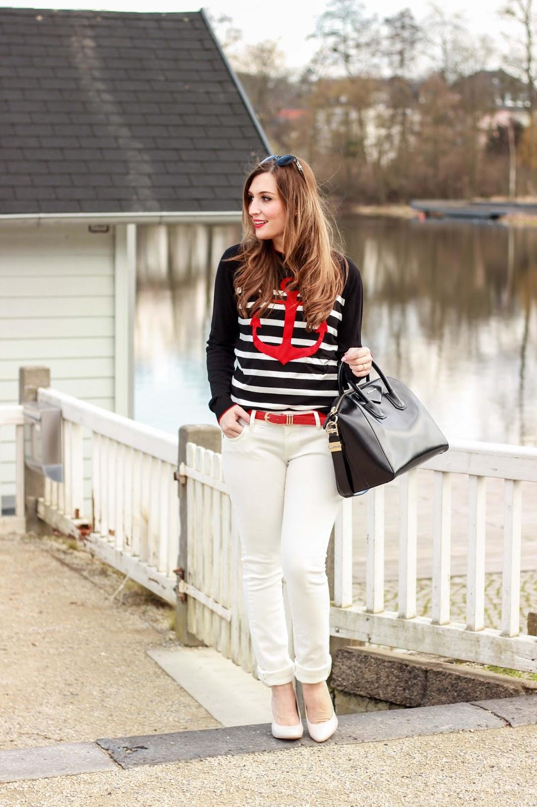 German Fashionblogger - Fashionblogger aus Deutschland - Deutsche Fashionblogger - Weiße Hose kombinieren.- Weiße Hose richtig kombinieren - Givenchy Tasche - Givenchy Tasche kombinieren
