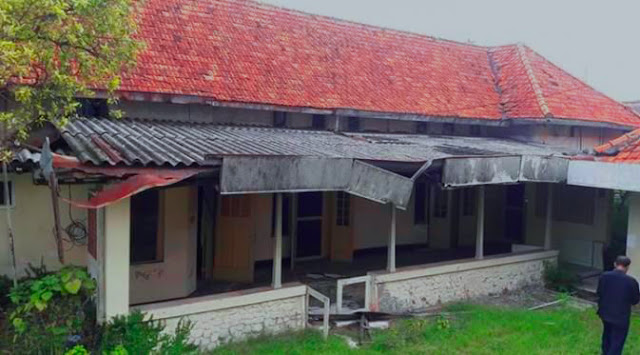 Rumah bangunan Radio Bung Tomo Yang Masih Utuh, Dilihat dari Samping