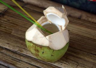tips-cantik-air-kelapa-muda