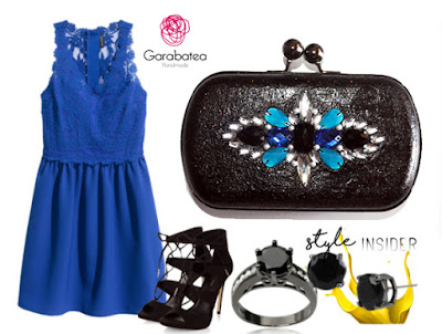 Combinar vestido azul klein con clutch joya negro y pedrería en azules