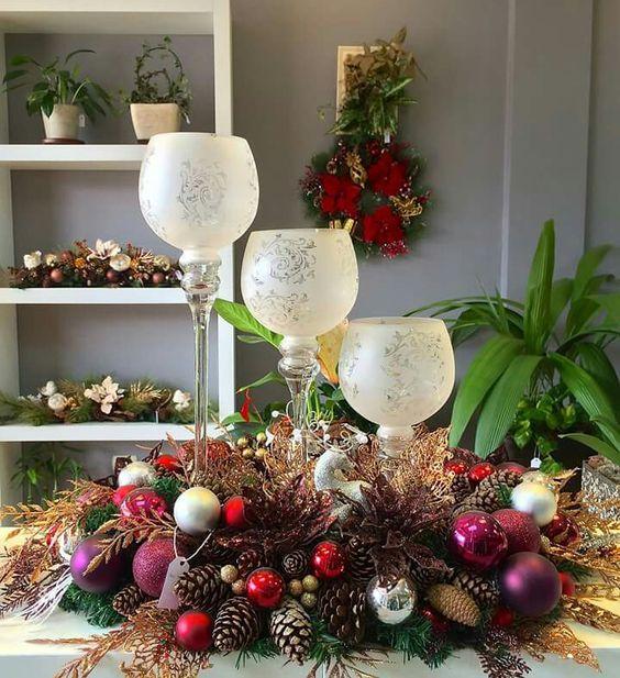 Aprende c mo hacer arreglos navide os elegantes con porta - Como hacer centros navidenos ...