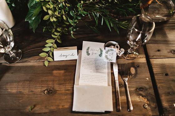 imagen_boda_decoracion_ceremonia_fotografia_rustica_menu_mesa_invitados_seating