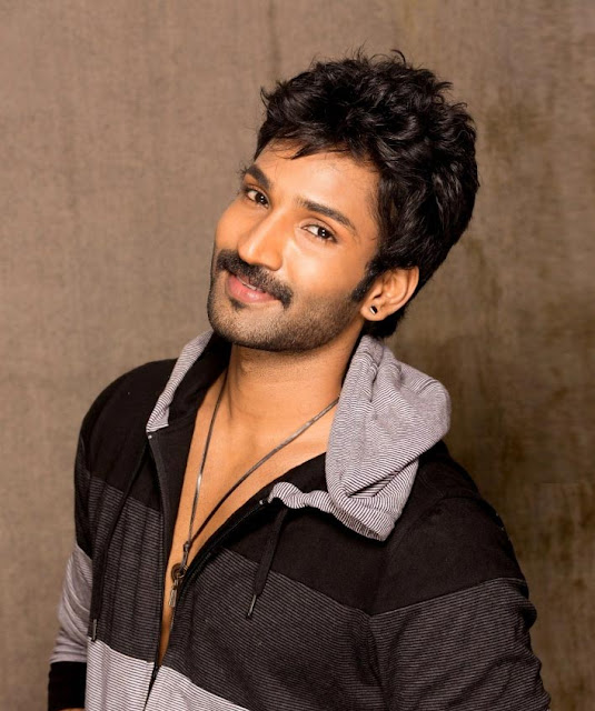 Aadhi Pinishetty Biography Biodata Profile Family Photos