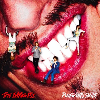 The_Darkness_Pinewood_Smile