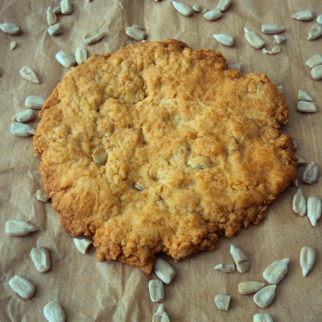 Biscuits secs végétaliens à l'huile de sésame, aux graines de tournesol et épeautre (vegan)