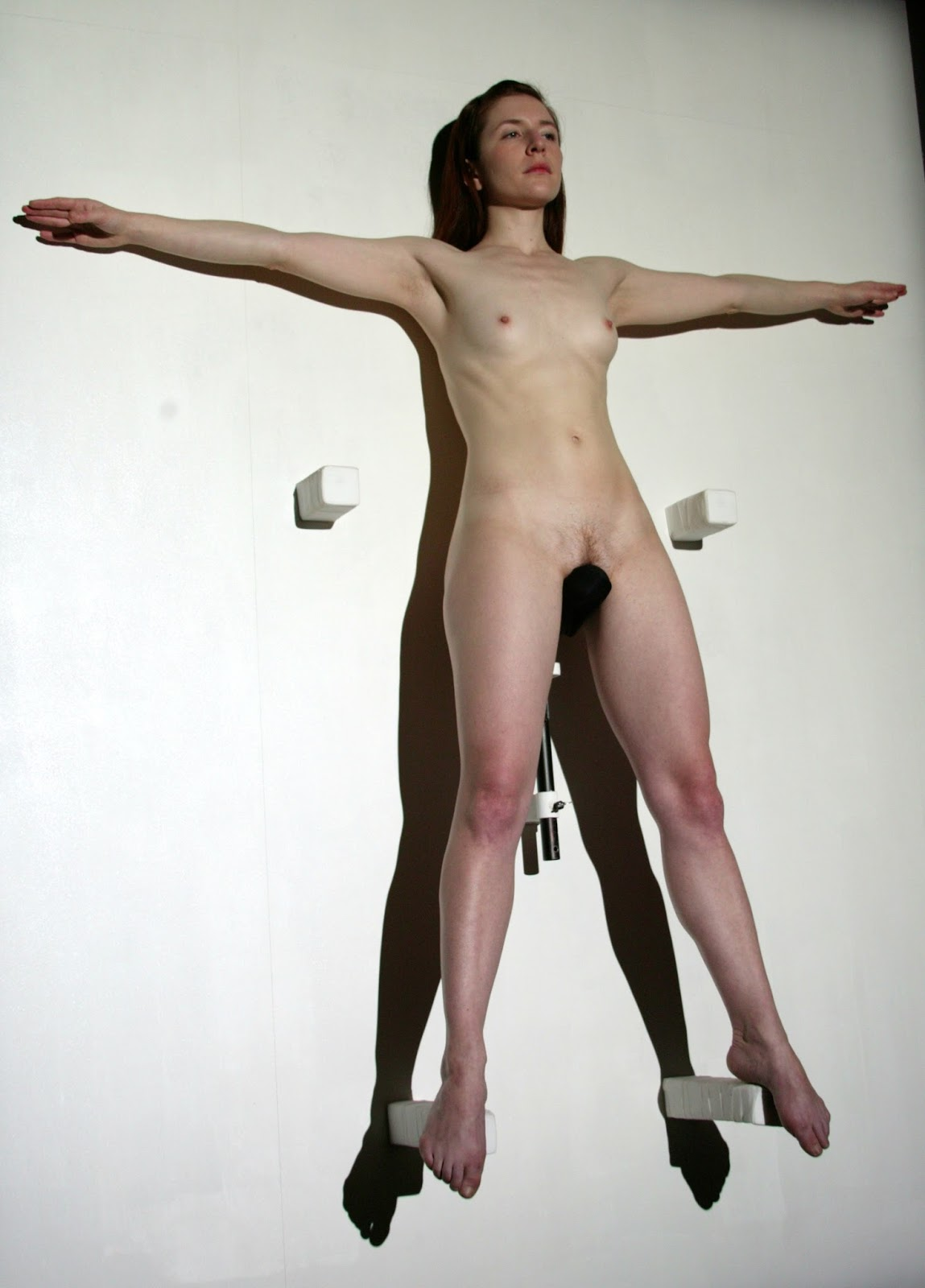 Marina Abramovic performance, Luminosity (1997)
