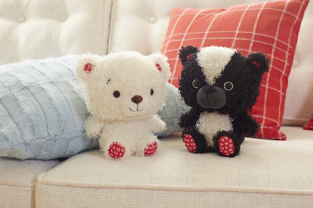 Hallmark Canada Cuddles to Share Bears - Valentines - #LoveHallmarkCA