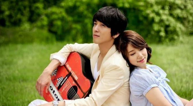 """Jung Yong Hwa """"CN Blue"""" Dan Park Shin Hye Pacaran??"""