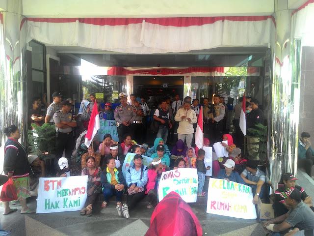 8 Tahun Belum Terima SHM, Warga Demo BTN
