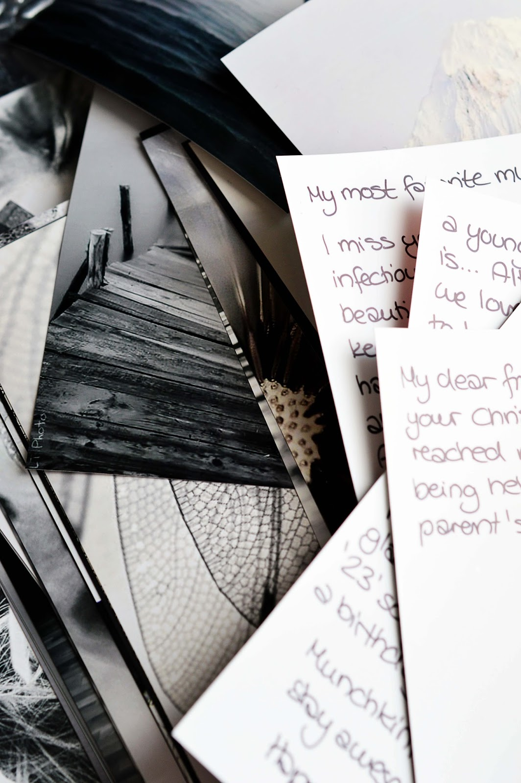 Writing postcards | Motte's Blog